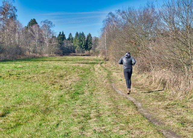 Hiking Boots vs Trail Running Shoes | What's The Difference?